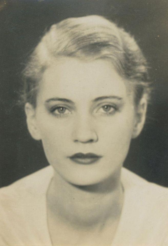LEE-MILLER-1931-1-BHC0233[1]