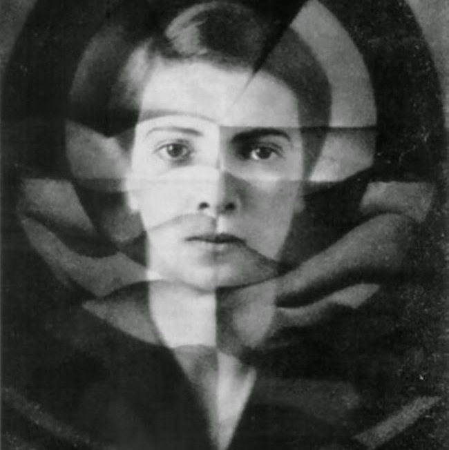 yva-1925-self-portrait[1]
