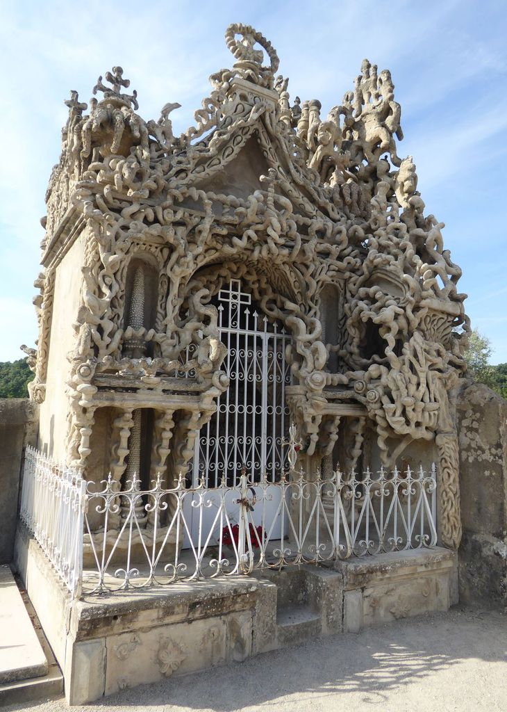 Ideal Tomb